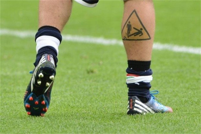 tackle-tattoo-bij-de-rossi-id3079520-1000x800-n