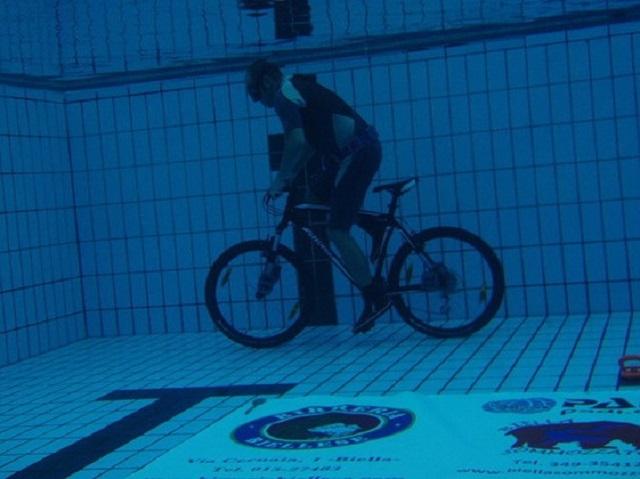 langste_afstand_onderwater_fietsen